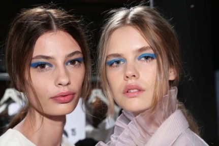 embedded_blue_eyeshadow_honor_spring_2015-504x337